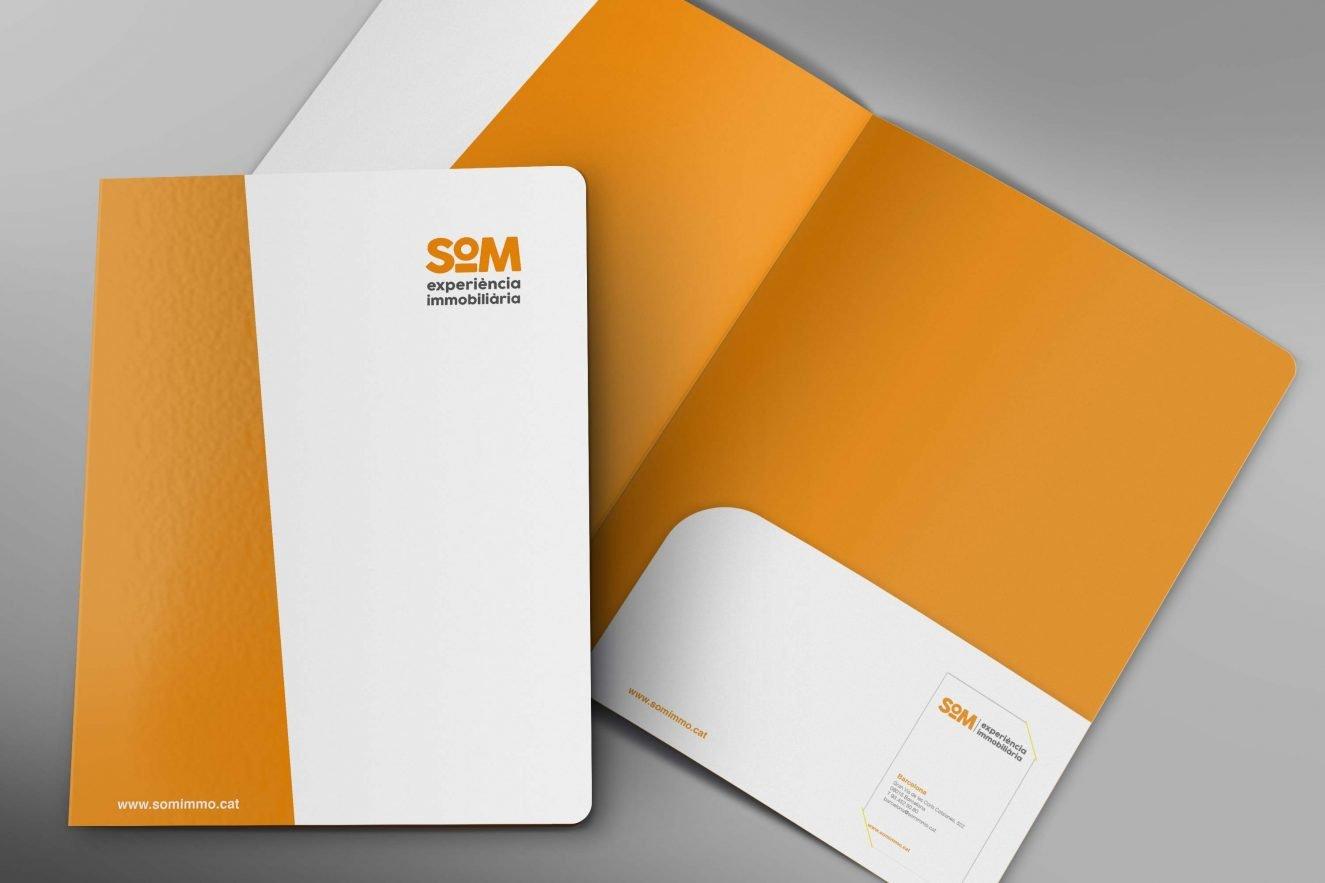 branding disseny barcelona SOM 1325x883 - Naming, branding, registro de marca, aplicaciones de marca...