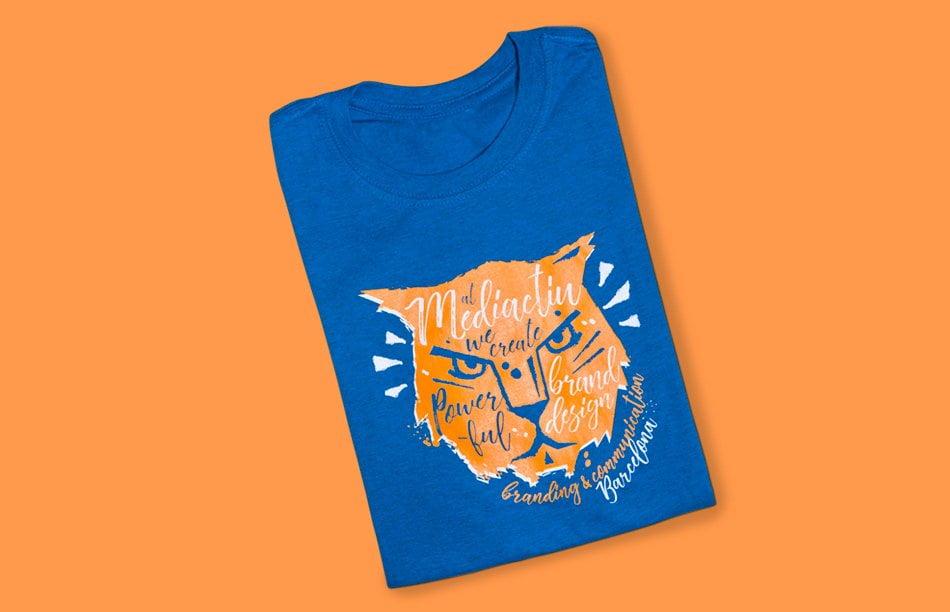 disseny samarreta promocional estudi barcelona - Camiseta Powerful Brand Design