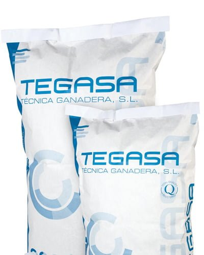 diseno grafico saco empresa animal barcelona - Development of packaging for animal feed
