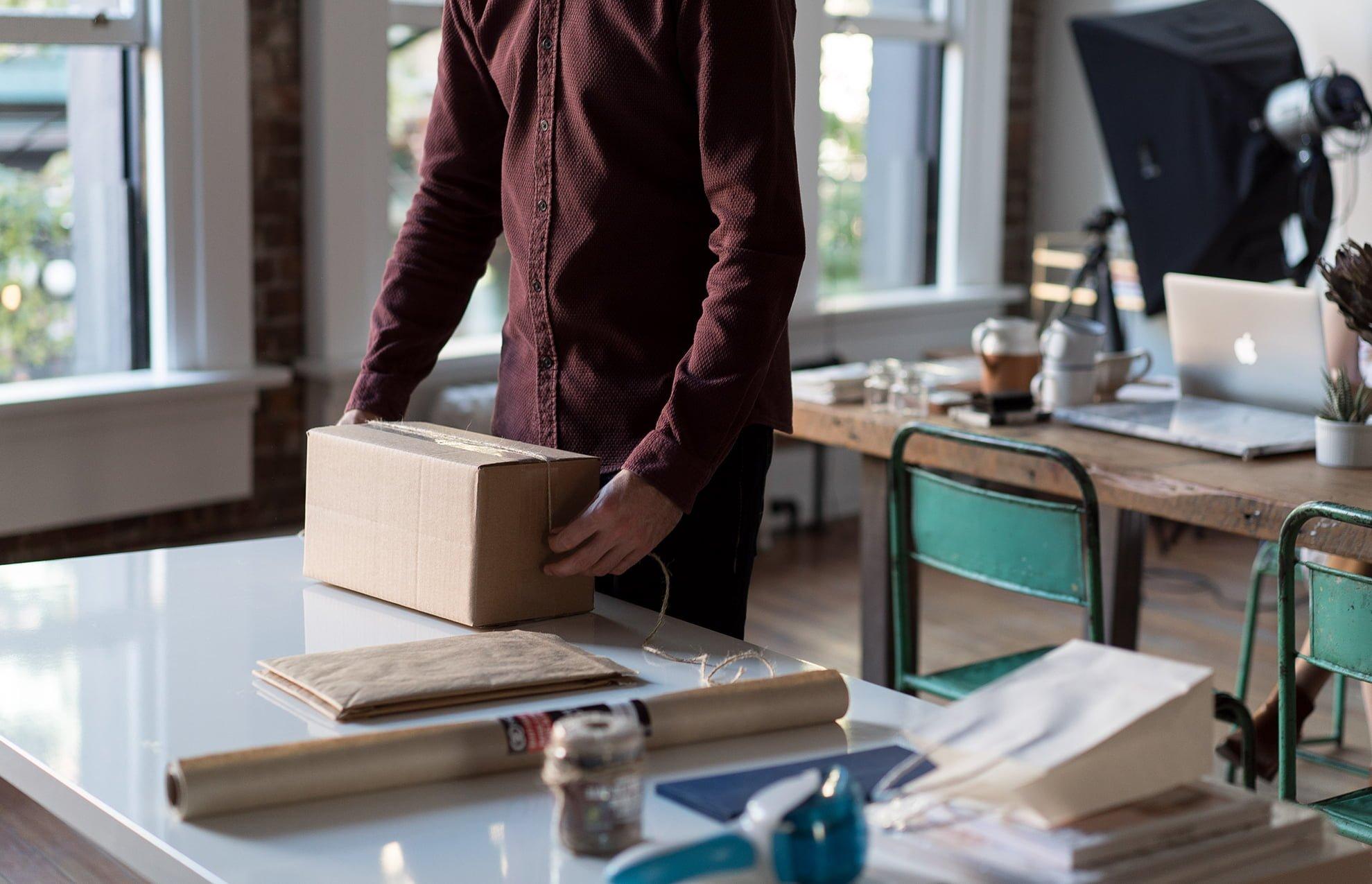 experiencia unboxing para clientes - ¿Qué es el unboxing? ¿Cómo puede mejorar la decisión de compra de un cliente?