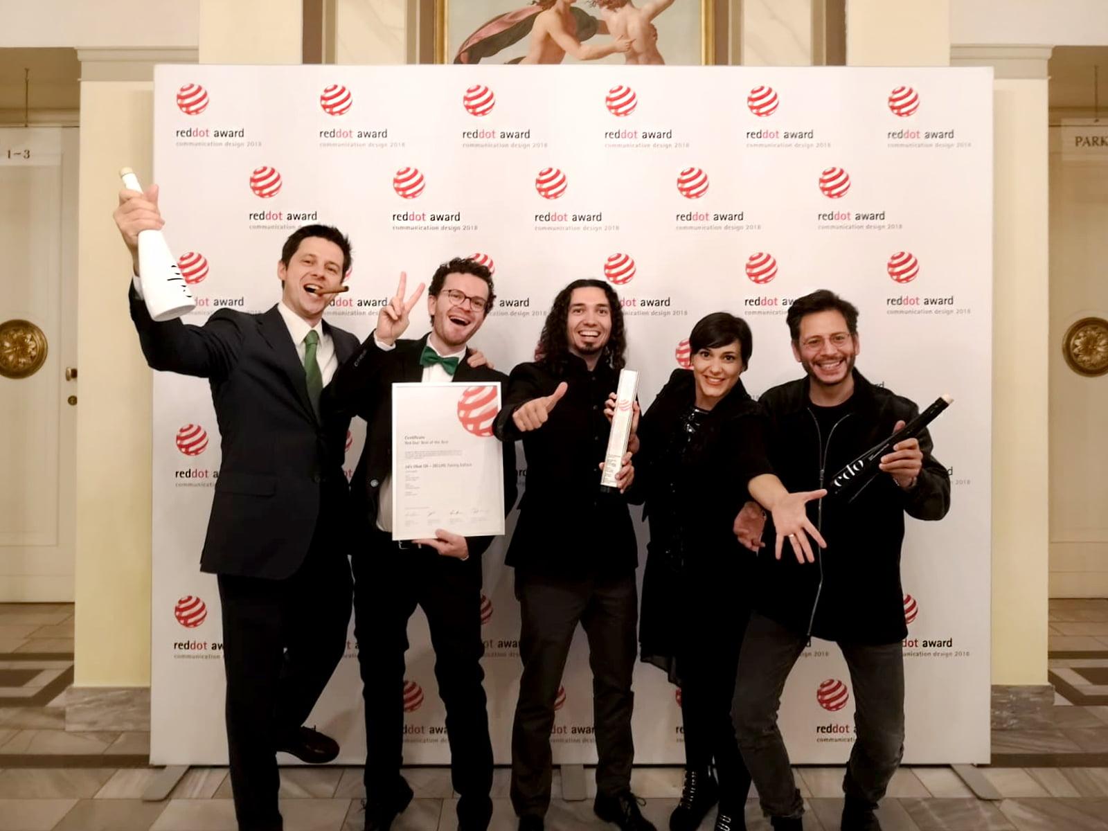 Red dot award winner team 2018 - Mediactiu consigue la máxima distinción de los Premios Red Dot Award 2018 de packaging