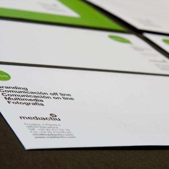 diseno papeleria corporativa barcelona 550x550 - Presentación