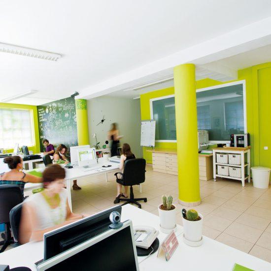 diseno web agencia barcelona 1 550x550 - Presentación