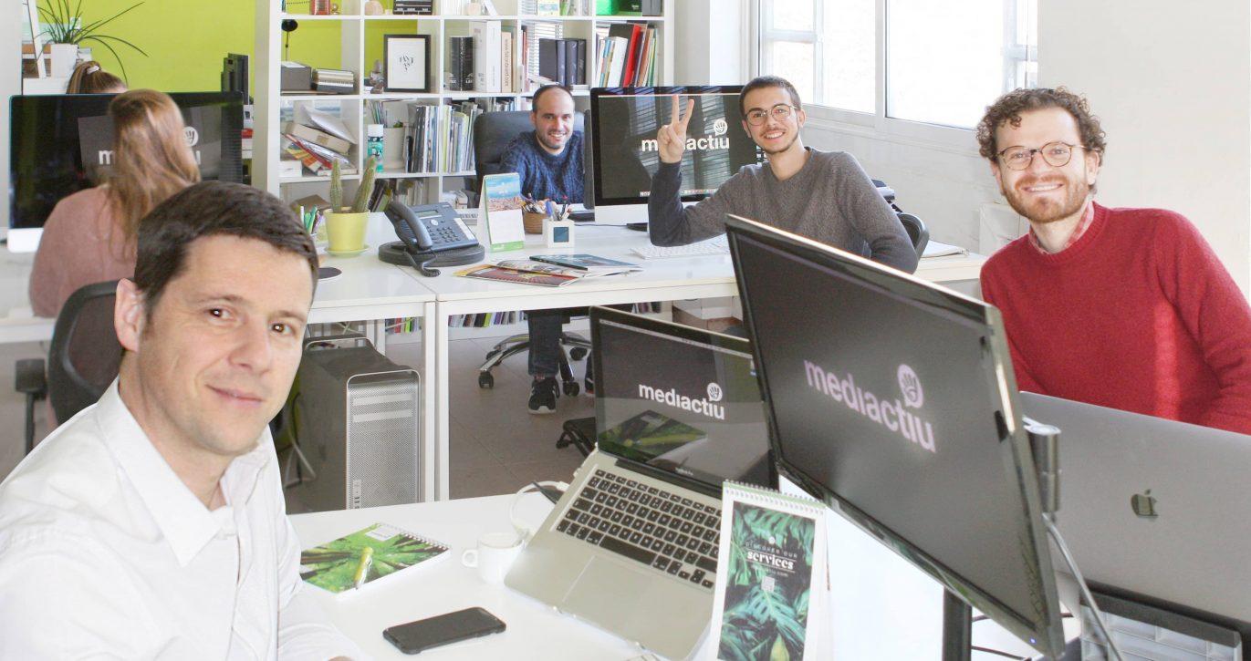 Agencia de publicidad de barcelona 1371x725 - ¡Somos noticia en la revista Infopack!