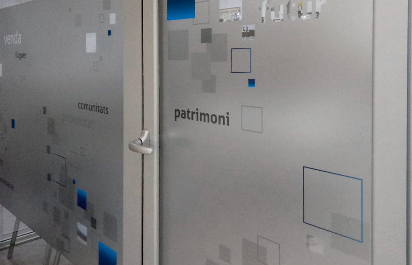rotulacion-para-interior-de-oficinas-barcelona