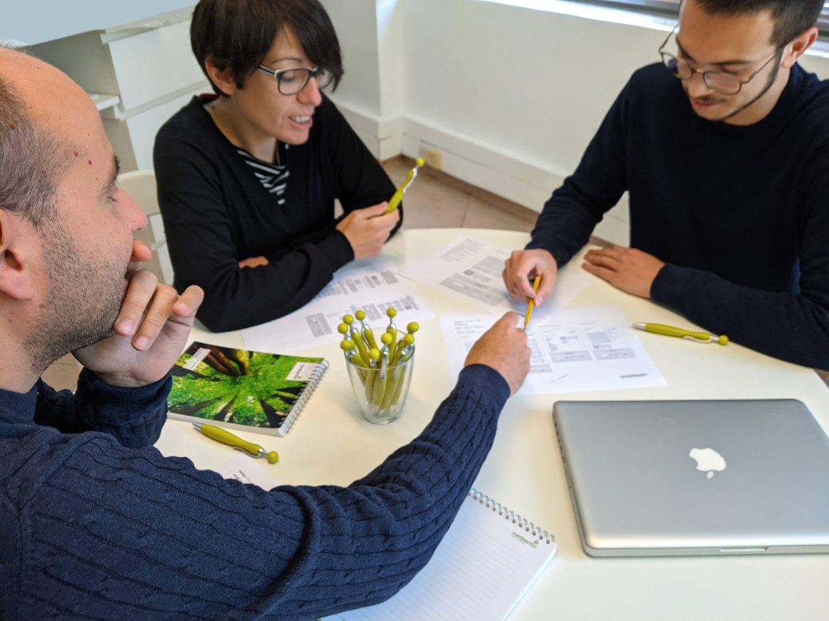 estudio de diseno grafico y web barcelona 1177x883 - Una buena digitalización de las marcas, entre la necesidad y el reto