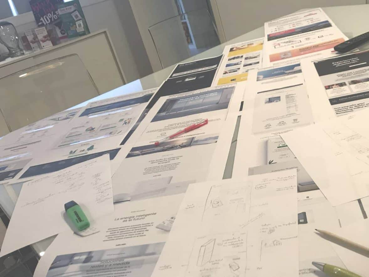 mejor estudio de diseno web en barcelona 1177x883 - Una buena digitalización de las marcas, entre la necesidad y el reto
